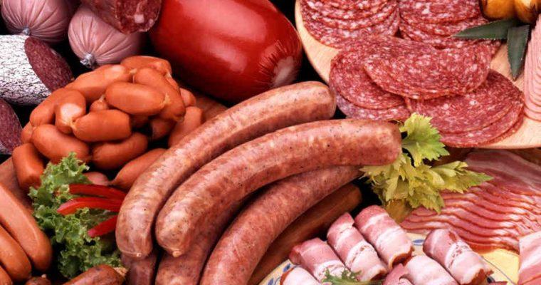 Vörös és feldolgozott húsok egészségügyi kockázatai: Mennyire erős a bizonyíték?
